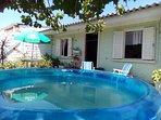 Pátio do Chalé com piscina para lazer!
