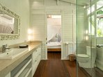 Master Suite 2 Bathroom