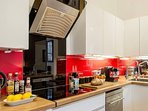 A warm welcome awaits you in the fully equipped kitchen.