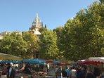 Le marché de Nyons un incontournable, un des plus grands marchés de Provence