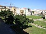 Vista dal balcone su Piazza Magione