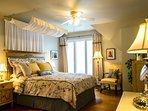 Upper  floor 1st queen bedroom