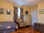 Hardwood floor in the twin bedroom