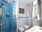 Villa Rosa - Ap. n. 1 'IRIS' -  Bagno - Bathroom