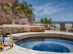 Jacuzzi with a ice cold Corona - sign me up!