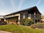 fbm-holiday-cottages-k079A the_longhouse