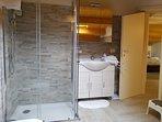 doccia e lavabo
