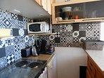 Kitchenette, micro onde, lave vaisselle, senseo, grille pain, bouilloire, frido