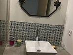 Première salle d'eau douche italienne