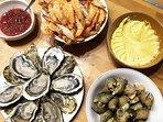assiette de fruit de mer ailloli maison huîtres des boucholeurs