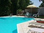 Solarium su piscina riscaldata