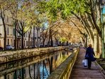 The canal with its leafy avennue - just around the corner!!!