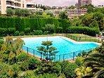 Grande piscine réglementée et surveillée en été
