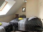 Autre chambre avec deux lits modulables