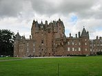 Location is 5 mile drive to stunning Glamis Castle