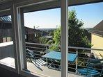 Blick vom Balkon der Teeküche mit Fernsicht bis Aachen