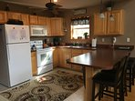 Fully Equipped Kitchen, Seating for 4 at breakfast bar