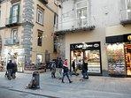 Caffetteria Roma è il riferimento per la strada della casa , la via a sinistra