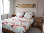 Chambre avec lit Queen-Size (160cm x 200cm)