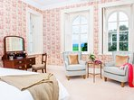 Rose bedrooms stunning views over parkland
