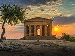 Il tempio della concordia al tramonto.