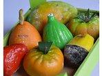la frutta Marturana, dolci tipici siciliani, con pasta reale.