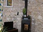 Cosy wood pellet burner for the winter