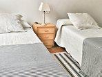 En este dormitorio pueden dormir 2 personas en camas independientes