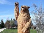 Toute l'équipe du Domaine de l'Ours vous accueille avec chaleur et dévouement