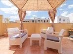 Terraza privada Private terrace (planta superior - 2nd floor)