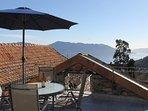 La terrazza con splendida vista sul lago Maggiore
