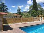 Vue sur Le Caroux, de la piscine.