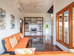 Master living room suite/2 day beds