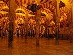 Lugar de interés: Interior de la Mezquita de Córdoba.