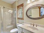 1st Floor Queen Heron Street Bathroom