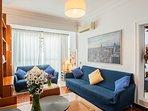 Salón principal del amplio apartamento, perfecto para compartir  con la familia y amigos