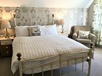 Pretty vintage styke bedroom with a touch of luxury
