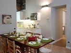 La Corte di Zizi, appartamento 'Riva: l'angolo pranzo