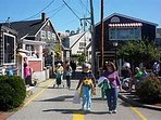 Perkins cove/ shops on Trolley line or short car ride