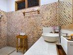 ensuite bathroom Honeymoon suite