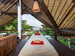 Massagetable with seaview