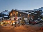 Esterno Chalet Matteo con Scuola Sci, Snowboard e Wine Bar