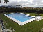 Estupenda piscina con profundidad variable, mantenida todo el año.