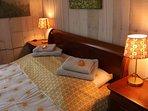 Slaapkamer parterre met 2 persoonsbed