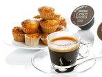 Desayuno incluido: - Ocho bebidas calientes para la cafetera Dolce Gusto - Galletas y magdalenas