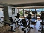 la salle de fitness du spa de l'hôtel, l'accès pour 2 adultes vous est offert avec la location