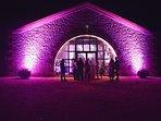 salle de réception , lumière, lieu insolite, atypique, original, mariage, fête en famille, amis