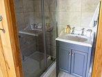 Back bedroom en-suite shower