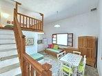 Villa VIOLA:- Accesso al soppalco con 2 posti letto accoppiabili.
