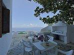 Villa VIOLA:- La veranda privata ombreggiata e panoramica